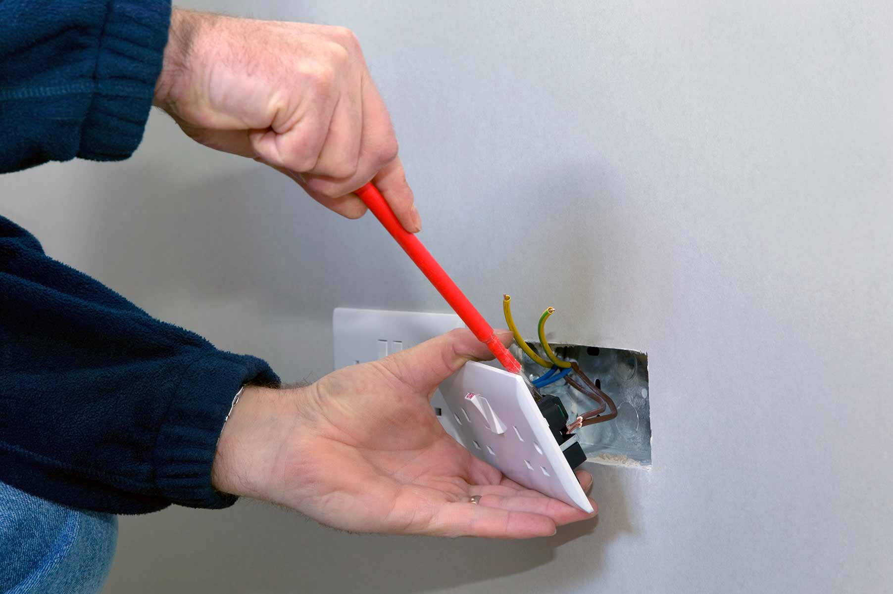 Our electricians can install plug sockets for domestic and commercial proeprties in North Finchley and the local area.